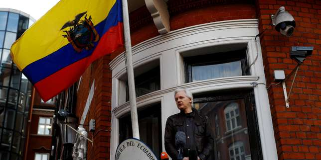 INTERNATIONAL - Assange sues Ecuador for 'violating his rights'