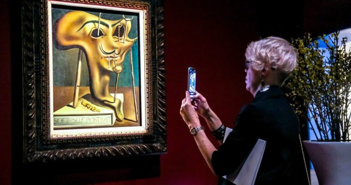Exhibition of paintings by Salvador Dali has opened in Moscow