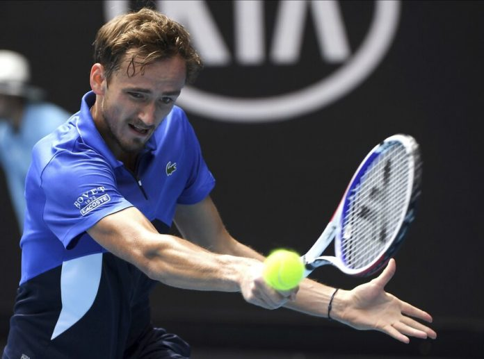 Tennis player Medvedev lost to Wawrinka in the fourth round of the Open championship of Australia