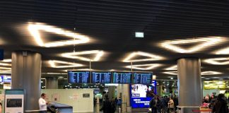 The cancellation of flights occur in the capital's airports