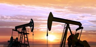 The expert explained why the decline in oil prices will not be too long