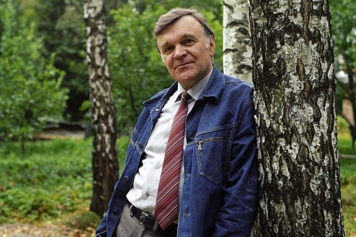 Died writer Yuri Bondarev