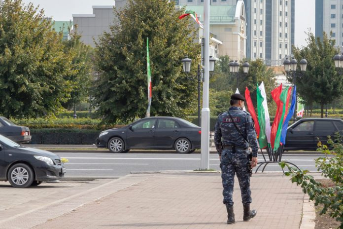 In Chechnya have come up with a way of dealing with violators of the quarantine: they will beat