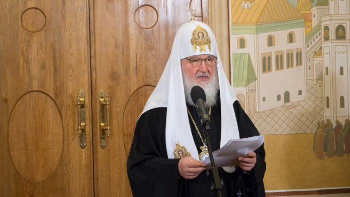 Patriarch Kirill urged to refrain from visiting temples