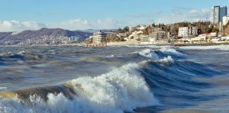 Sochi is without tourists, who have not taken that insulated