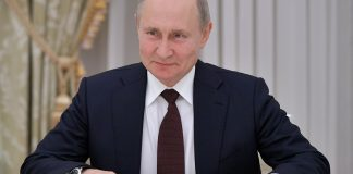 The Economist (UK): the Russian economy is insulated from global meltdown