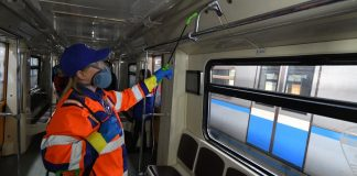 About 900 thousand square meters each day clean and disinfect the subway