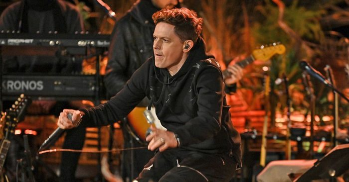 """Sing meinen Song"": Michael Patrick Kelly zertrümmert Gitarre"